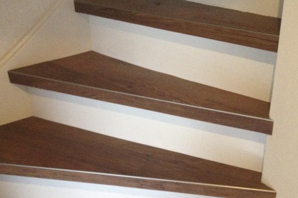 Vinylwood   OVER ONS   PVC vloeren, vinylplanken, vinylwood, PVC, vinyltegels, klik vinyl, click